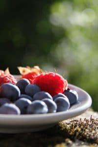 Une bonne alimentation et une activité physique régulière peuvent renforcer les bénéfices de la rééducation linguale.